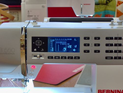 On board threading guide on the Bernina 530