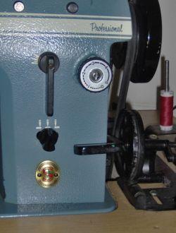 Zigzag and stitch width regulator screws