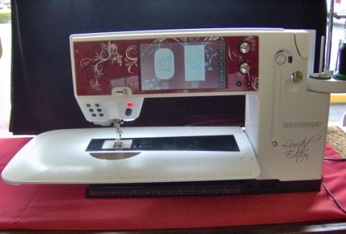 BERNINA 830 LE sewing machine