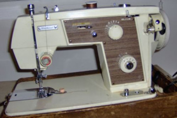 Fleetwood E-188 Sewing machine