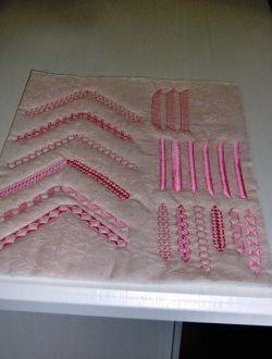 Illusion of hand stitched quilting