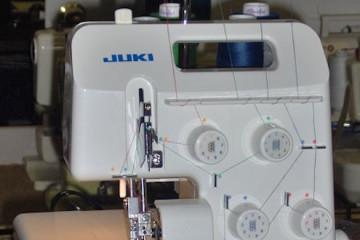 Juki MO 644D