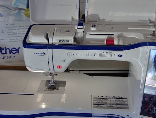Bobbin winding and threading processes are as easy as possible